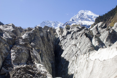 steep sloping sharp tooth-edged glaciers Imagens - 85415195