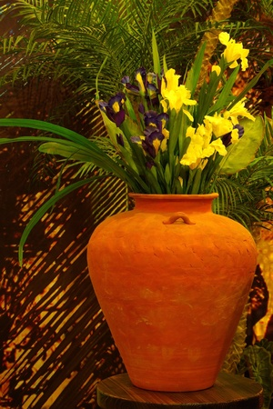 and distinctive: Interior decoration of The Distinctive Artistic vase with Flowers