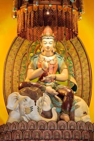 A majestic and Peaceful Chinese Buddha statue Stock Photo - 15817468