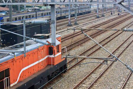 zelektryzować: Współczesne Pociągi i kolejowe z elektryzować instrumentu