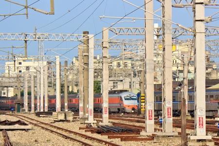 zelektryzować: Współczesne Pociągi i kolejowe z elektryzować Obiekt w Tajwanie