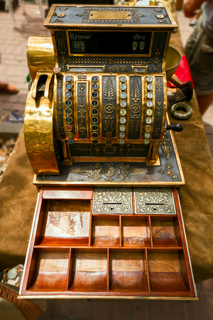 Ancient cash register, rarity The cash car used in the nineteenth century.