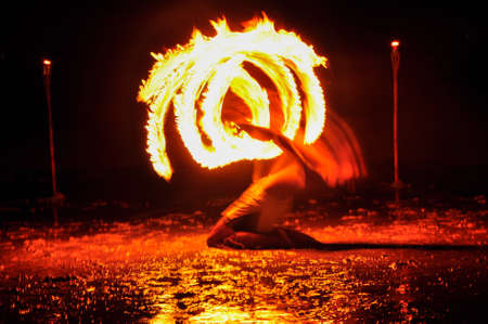 Amazing Fire Show at night on Khoa chang Island, Thailand Archivio Fotografico