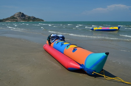 the bananaboat , a boat plays to enjoy , on the seaside , in Thailand Stock Photo - 14915888