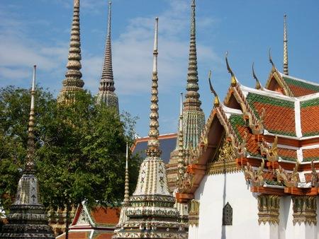 バンコクのチェディ寺院