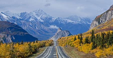 glenn: Heading towards Lions Head along the Glenn Highway during the fall in Alaska Stock Photo