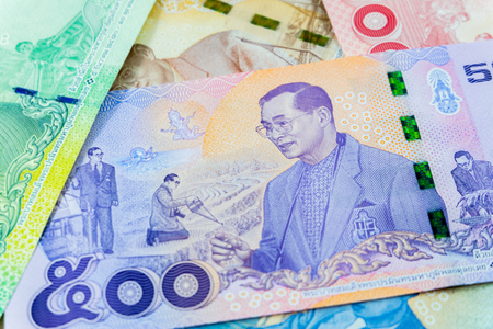 500 thai baht banknote,Commemorative banknotes in remembrance of the late King Bhumibol Adulyadej,Focus on The king