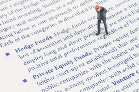 ヘッジファンド戦略の上に立ってミニチュア実業家