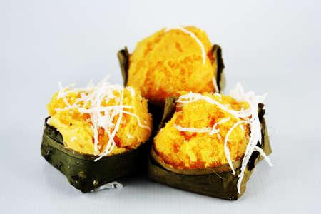 kanom tarn ( puff pastry )