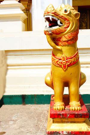 statuary lion