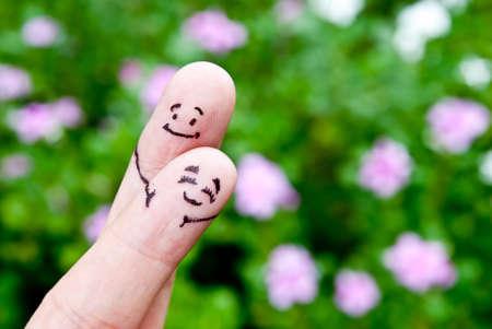塗装済み完成品笑顔と抱擁と恋に幸せなカップル