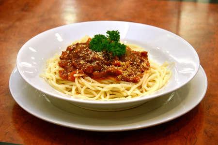 bolognaise: Spaghetti with beef meatballs in rich bolognaise sauce
