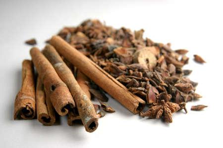 neutralizer: Cinnamon sticks & other spices Stock Photo