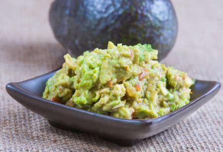 Guacamole fatto in casa con avocado