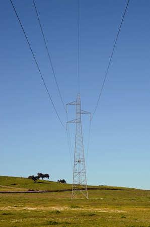 krajobraz z wysokiego napięcia wieże