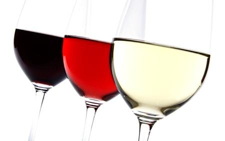 Drie Wijnglazen alleenstaande op wit