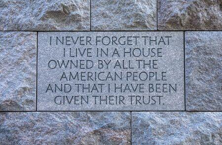 フランクリン ルーズベルト記念碑と引用 報道画像