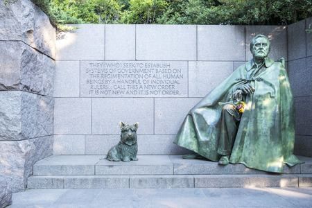 Washington DC, United States of America - August 5, 2017: Franklin Roosevelts Memorial Monument with Bronze Statues of Franklin Roosevelt and His Beloved Dog Redakční