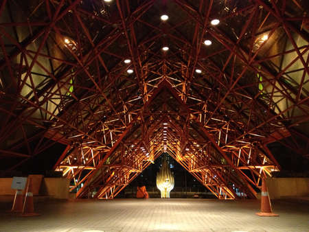 structural steel: Structural steel architecture