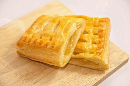warming: Pineapple Pie on wood, warming
