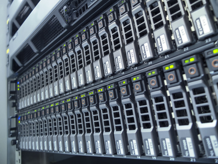hard drives in data center Standard-Bild