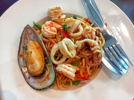 Spaghetti spicy seafood of Thailand Standard-Bild