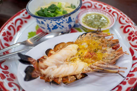 Grilled shrimp , Thai food is delicious and spicy Standard-Bild