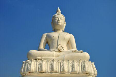 White Buddha statue Stock Photo - 12092664