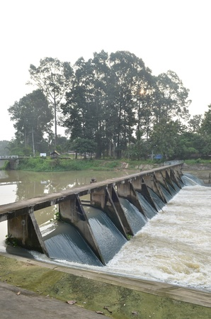 Dam controlling the river level photo