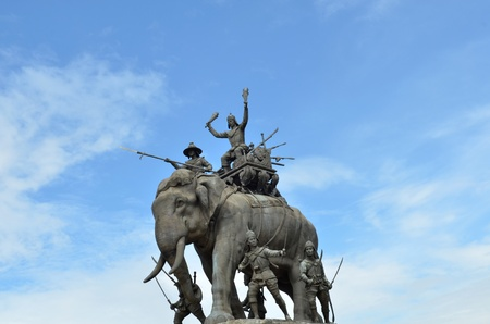 The elephant statue in the blue sky,Monument of King Naresuan at Suphanburi province in Thailand Stock Photo - 17198739
