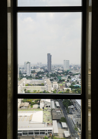 The view out the window at the city Foto de archivo