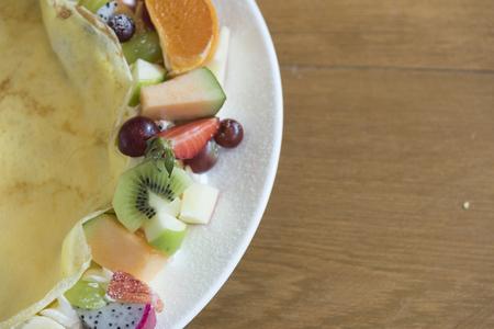 crepas: Crepes, pasteles y zumos de fruta.