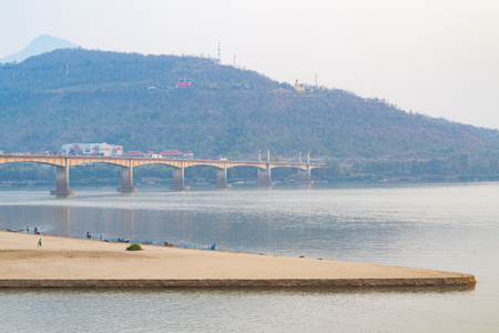 ponte giapponese: Lao and Japanese Bridge across the Mekong River, Pakse - Laos Archivio Fotografico