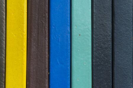 Colorido de azulejos de cerámica en la pared de fondo