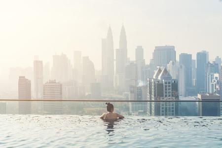 Swimming pool on roof top with beautiful city view kuala lumpur malaysia Foto de archivo