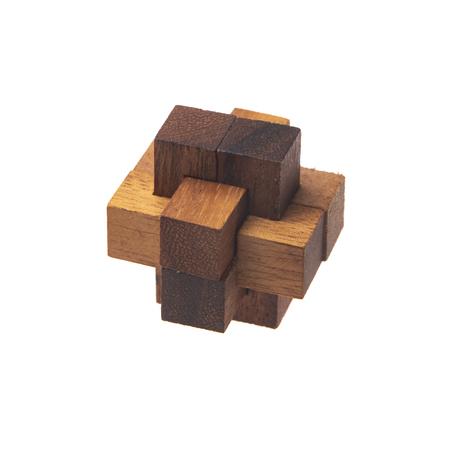 Casse-tête en bois jouet, isolé sur fond blanc Banque d'images