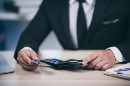 Konzept der finanziellen Probleme mit Kreditkarten Standard-Bild