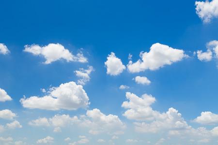 Himmel Wolke reinen sauberen Hintergrund Wetter Ozon Standard-Bild - 41650743