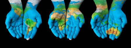 south america: Mapa pintado en manos mostrando concepto de tener el mundo en nuestras manos