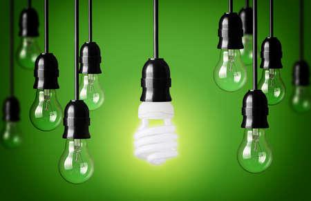 Ahorro de energía y bombillas simples Fondo verde