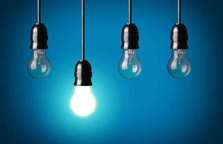 enchufe de luz: Concepto de la idea de fondo azul