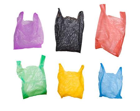 白で隔離される様々 なプラスチック袋のコレクション