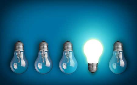 Idea concept avec la rangée d'ampoules et l'ampoule incandescente