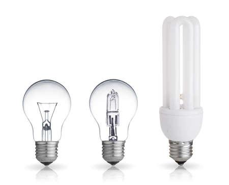 tubos fluorescentes: tres bombillas de diferentes aislados sobre fondo blanco