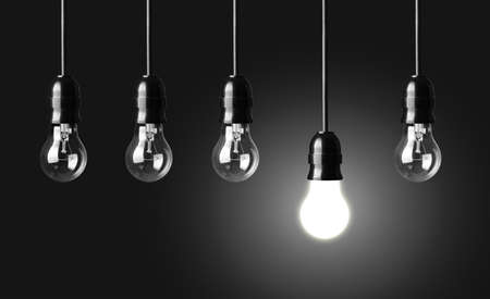 enchufe de luz: Concepto de la idea en negro