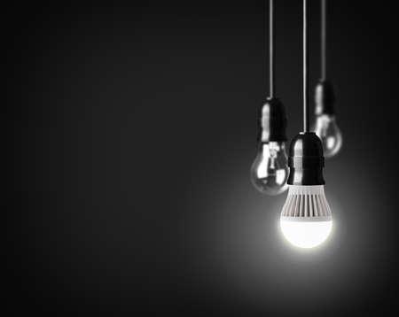黒の上のアイデアのコンセプト