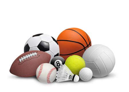 balones deportivos: Conjunto de bolas de deporte aisladas en el fondo blanco