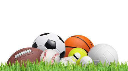 pelota de futbol: bolas en un campo de hierba aislados en el fondo blanco Foto de archivo
