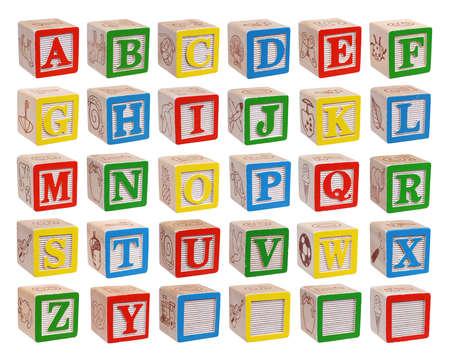 Houten alfabet blokken op een witte achtergrond