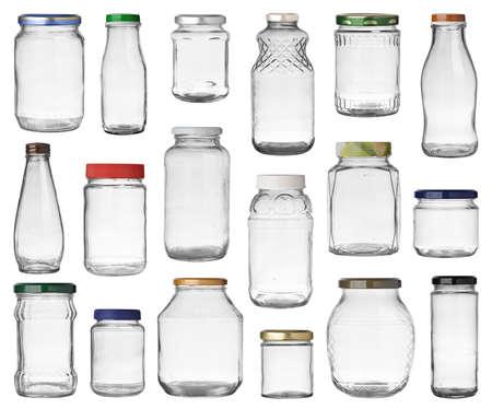 Set van lege potten met caps op een witte achtergrond